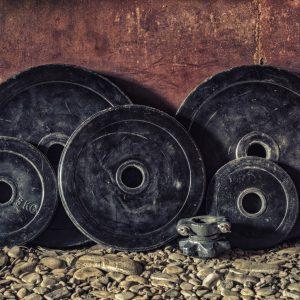 Mit zusätzlichen Gewichten trainieren.