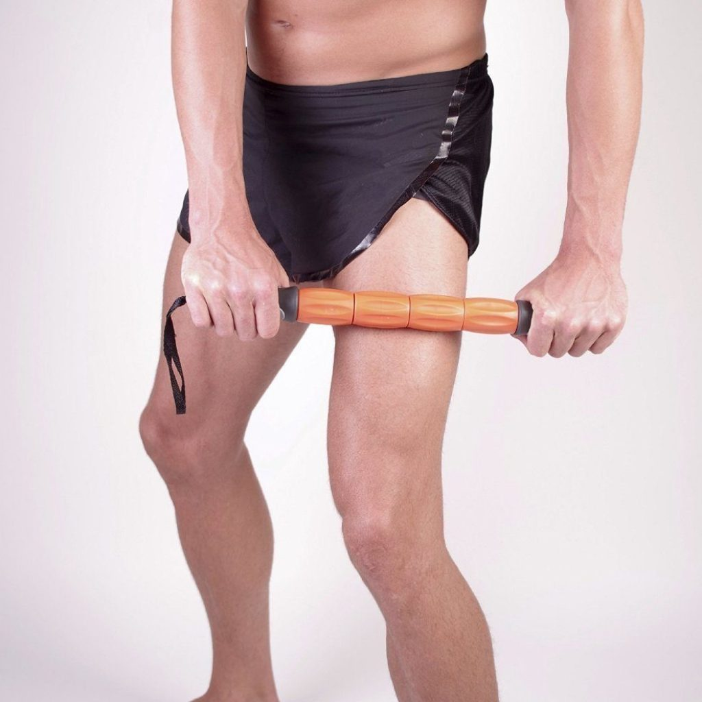 Ein Massageroller ist eine optimale Ergänzung zur Faszienrolle.
