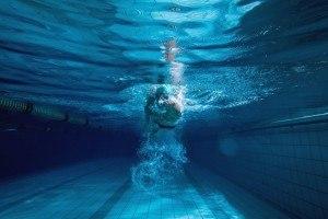 Effektiv Abnehmen durch regelmäßige Schwimmeinheiten.