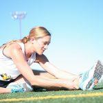 Durch Dehnen und Faszientraining bleiben die Muskel beweglich.