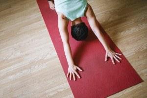 Die Auswahl der Yogamatte ist sehr wichtig. Das sollten Sie beachten.