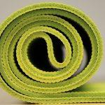 Mit diesen einfachen Schritten bleibt Ihre Yogamatte rutschfest.